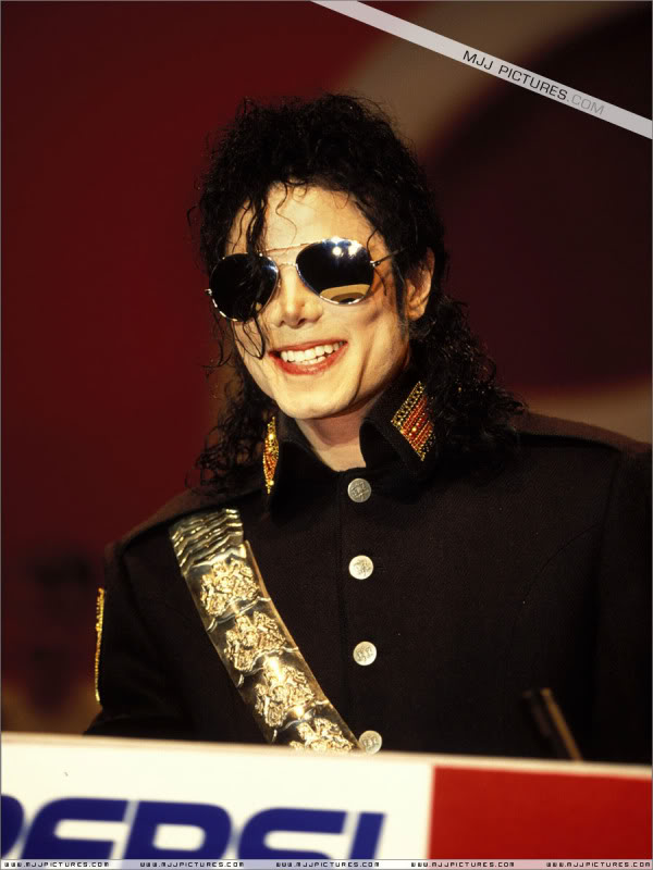 1992- Heal The World Foundation Press Conference 017-10
