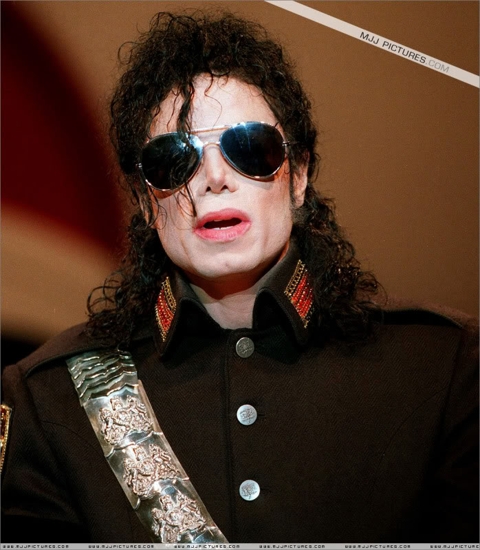 1992- Heal The World Foundation Press Conference 020-10