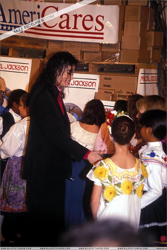 1992- Sending Relief To Sarajevo 021-11