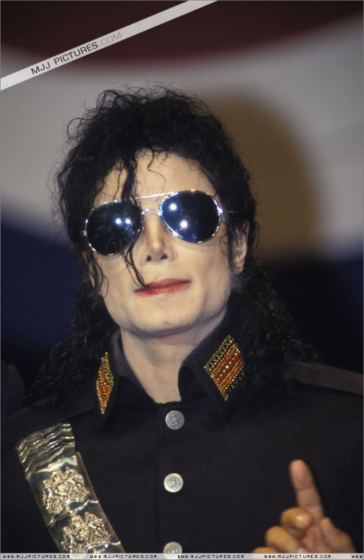 1992- Heal The World Foundation Press Conference 021-9