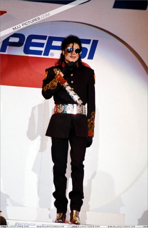 1992- Heal The World Foundation Press Conference 027-8
