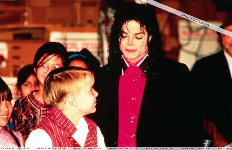1992- Sending Relief To Sarajevo 028-10