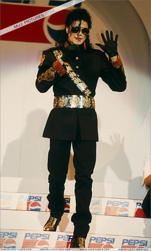 1992- Heal The World Foundation Press Conference 028-8