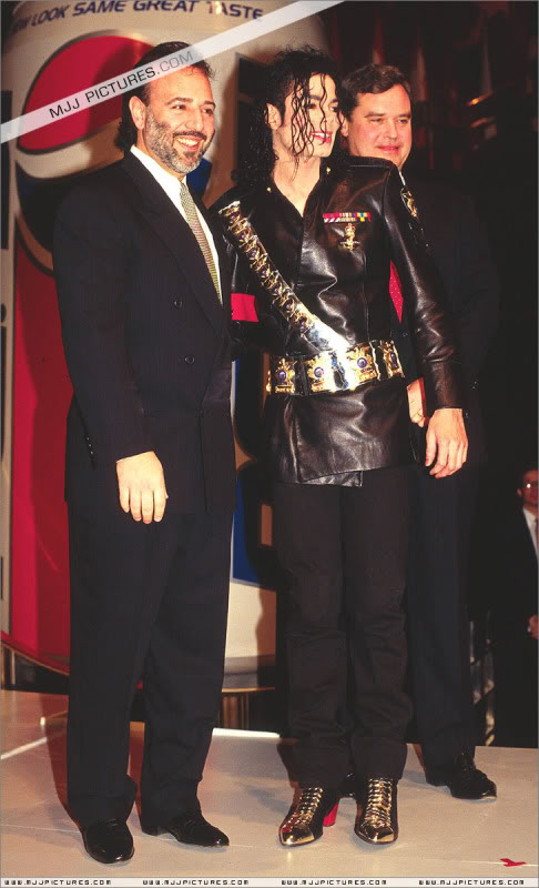 1992- Pepsi & Heal The World Foundation Press Conference 030-9