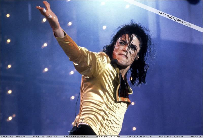 Dangerous World Tour Onstage- Wanna Be Startin' Somethin' - Human Nature 031-3