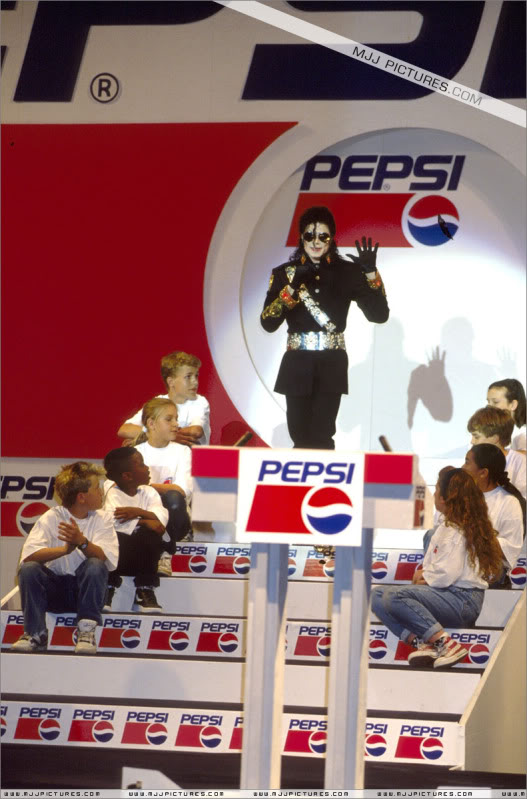 1992- Heal The World Foundation Press Conference 031-7