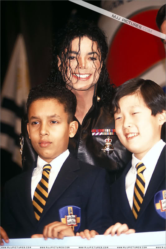 1992- Pepsi & Heal The World Foundation Press Conference 035-7
