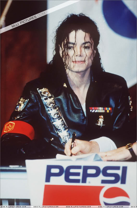 1992- Pepsi & Heal The World Foundation Press Conference 038-6