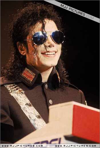 1992- Heal The World Foundation Press Conference 042-5