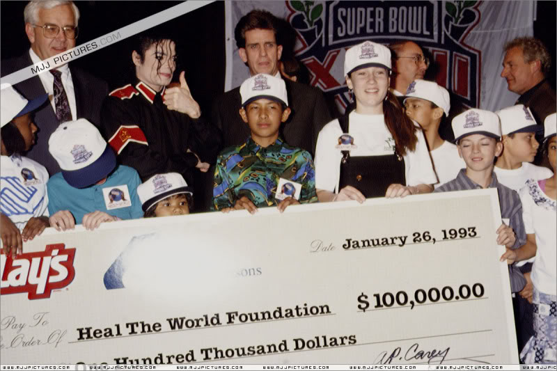 1993- Super Bowl XXVII Pre-Show Press Conference 042-7