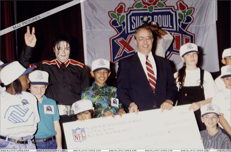 1993- Super Bowl XXVII Pre-Show Press Conference 044-7