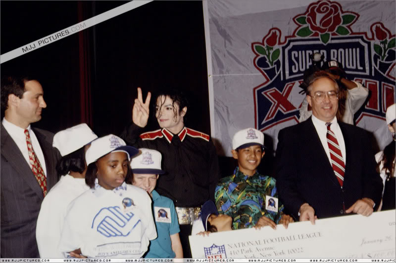 1993- Super Bowl XXVII Pre-Show Press Conference 046-6