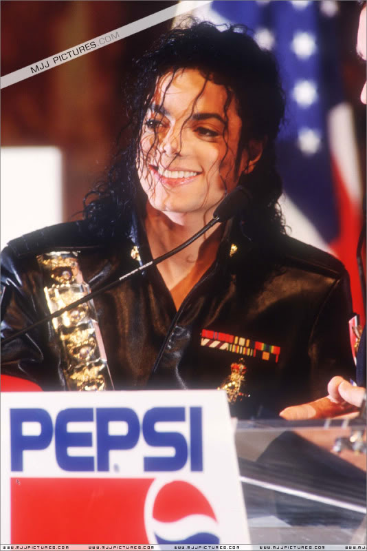 1992- Pepsi & Heal The World Foundation Press Conference 047-5