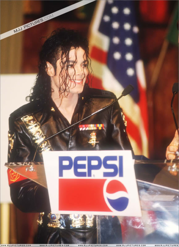 1992- Pepsi & Heal The World Foundation Press Conference 050-5