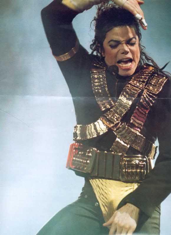 Dangerous World Tour Onstage- Jam 065-1