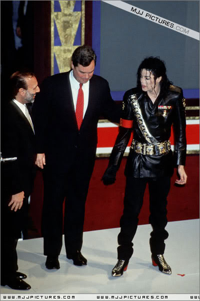 1992- Pepsi & Heal The World Foundation Press Conference 066-4