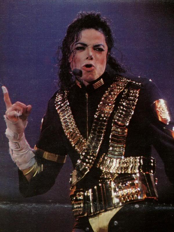 Dangerous World Tour Onstage- Jam 067-1
