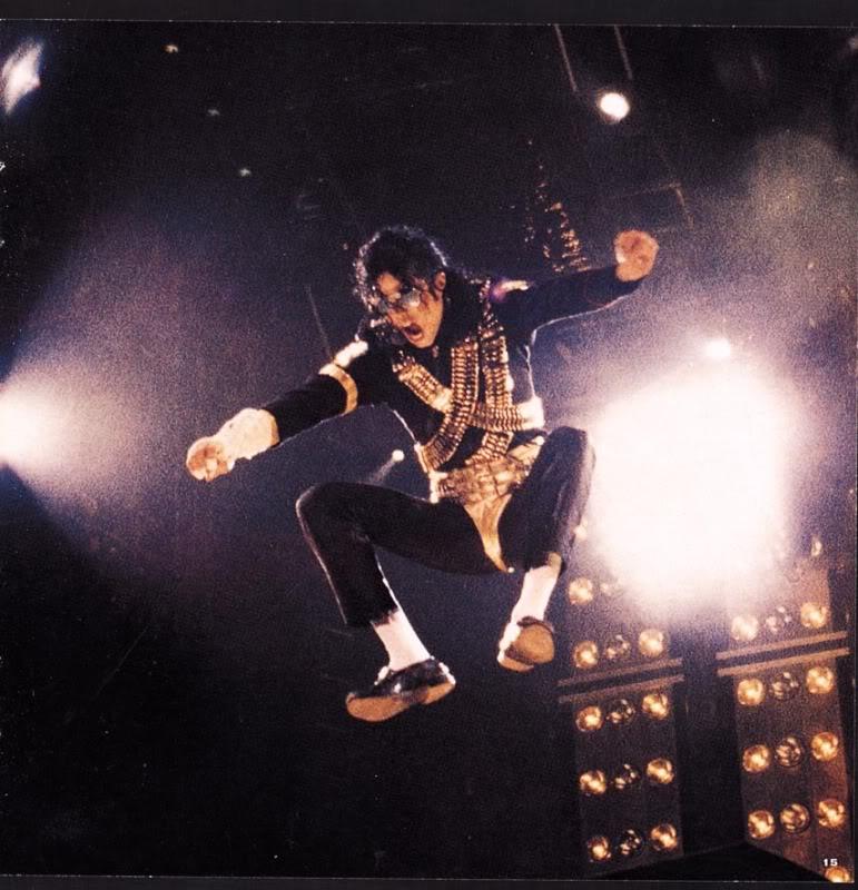 Dangerous World Tour Onstage- Jam 069-1