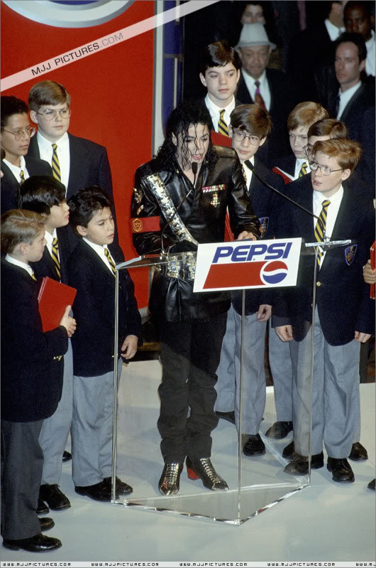 1992- Pepsi & Heal The World Foundation Press Conference 073-6