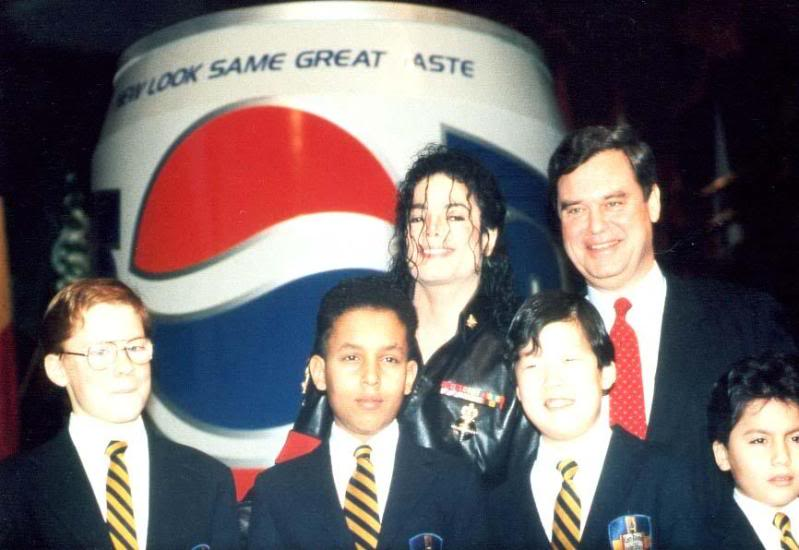 1992- Pepsi & Heal The World Foundation Press Conference 075-1-1
