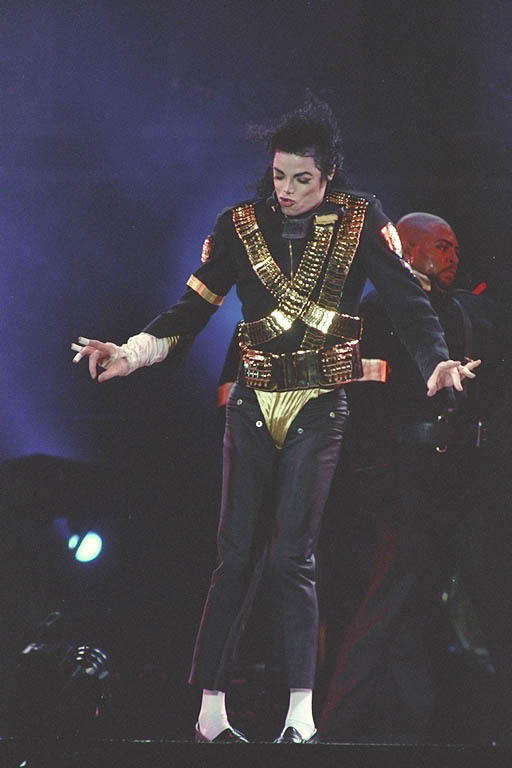 Dangerous World Tour Onstage- Jam 080-1