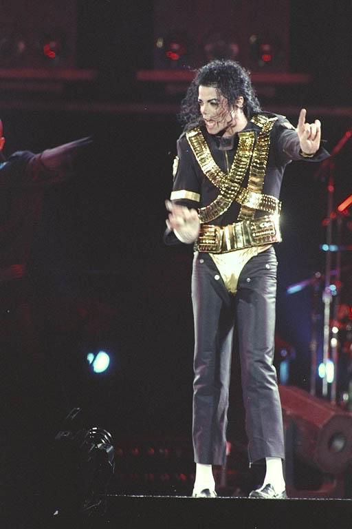 Dangerous World Tour Onstage- Jam 081-1