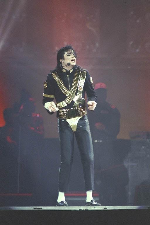Dangerous World Tour Onstage- Jam 088
