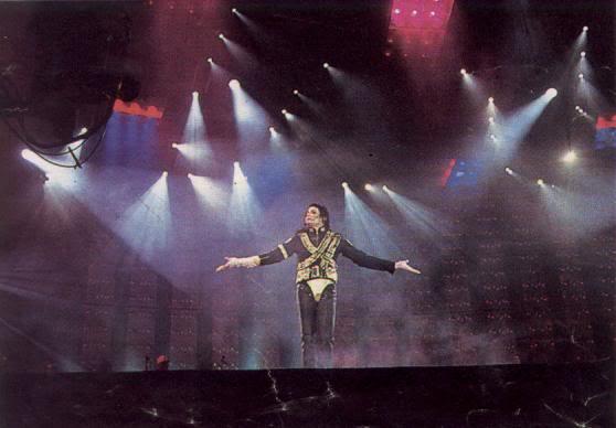 Dangerous World Tour Onstage- Jam 098-1