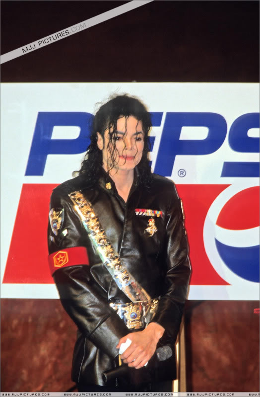 1992- Pepsi & Heal The World Foundation Press Conference 106-2-1