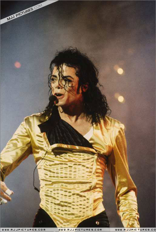 Dangerous World Tour Onstage- Wanna Be Startin' Somethin' - Human Nature 106-2