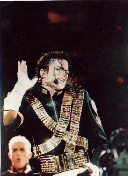 Dangerous World Tour Onstage- Jam 107-1