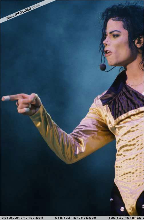 Dangerous World Tour Onstage- Wanna Be Startin' Somethin' - Human Nature 107-2