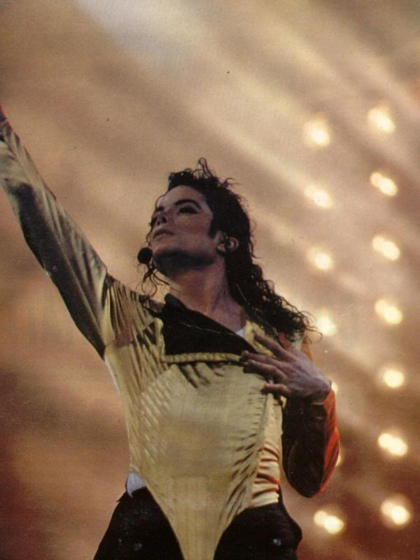 Dangerous World Tour Onstage- Wanna Be Startin' Somethin' - Human Nature 131-2