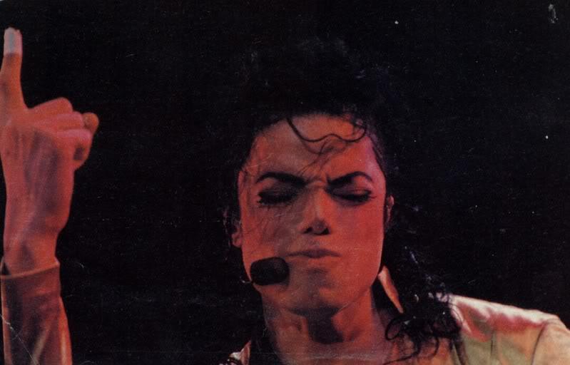 Dangerous World Tour Onstage- Wanna Be Startin' Somethin' - Human Nature 136-1
