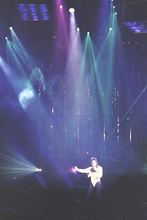 Dangerous World Tour Onstage- Wanna Be Startin' Somethin' - Human Nature 146-1