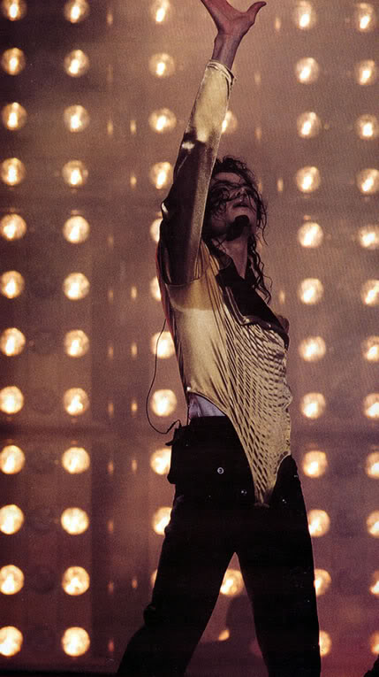 Dangerous World Tour Onstage- Wanna Be Startin' Somethin' - Human Nature 157
