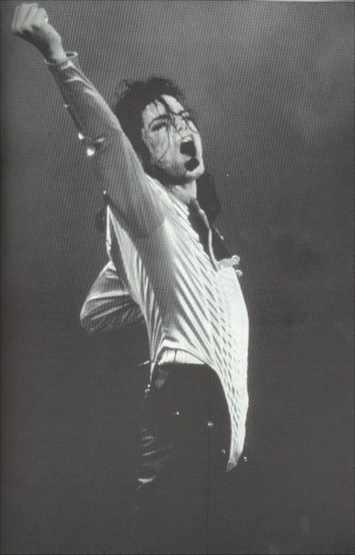 Dangerous World Tour Onstage- Wanna Be Startin' Somethin' - Human Nature 187