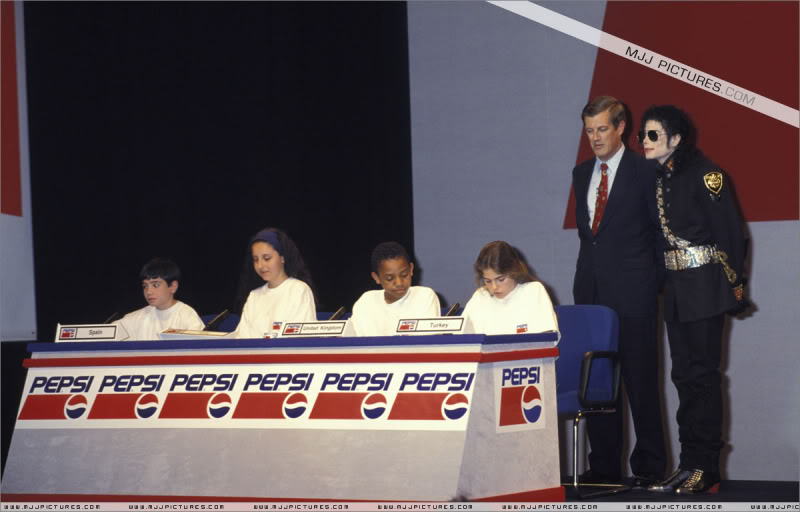1992- Heal The World Foundation Press Conference 002-20-1