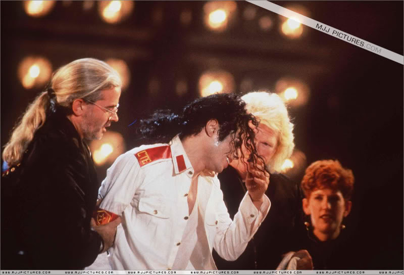 Dangerous World Tour Onstage- Man In The Mirror 003-2-1