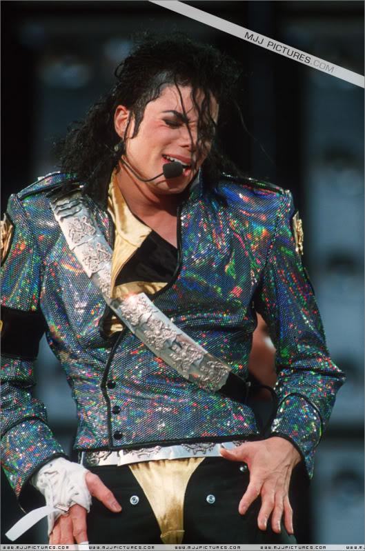 Dangerous World Tour Onstage- Jam 003-20