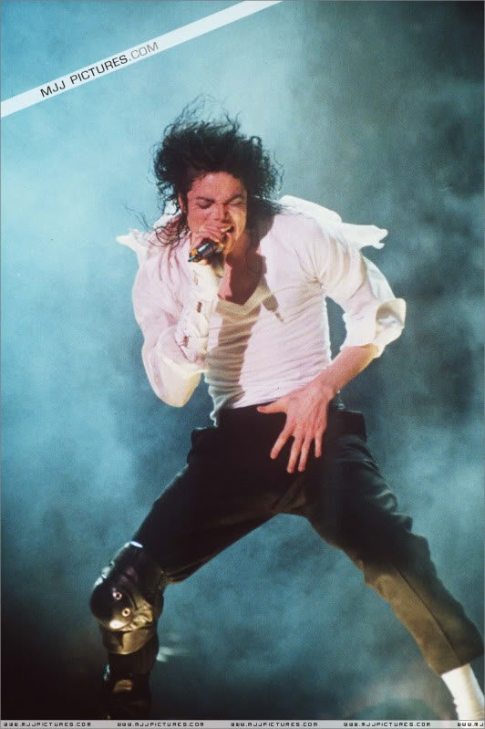 Dangerous World Tour Onstage- Black Or White 003-49
