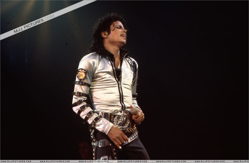 Bad World Tour Onstage- Various 004-2