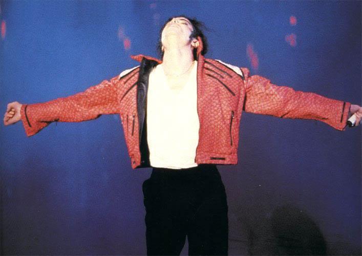 Dangerous World Tour Onstage- Beat It 004-46