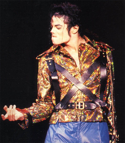 Dangerous World Tour Onstage- Working Day And Night 005-8-1