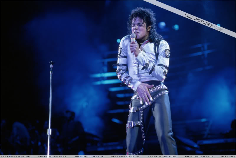 Bad World Tour Onstage- Various 006-2