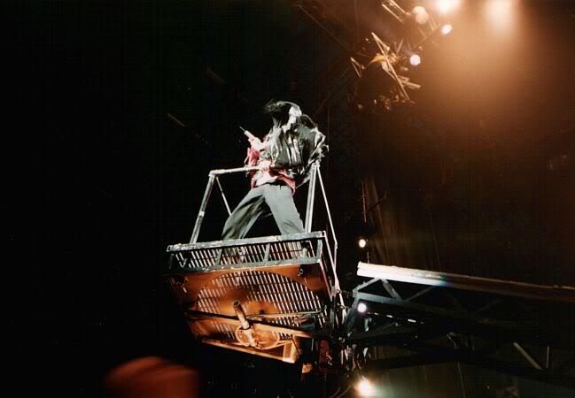 Dangerous World Tour Onstage- Beat It 006-40