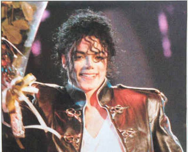 Dangerous World Tour Onstage- Heal The World 006-43