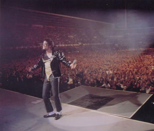 Dangerous World Tour Onstage- Medley Jackson 5 - I'll Be There 007-3-1