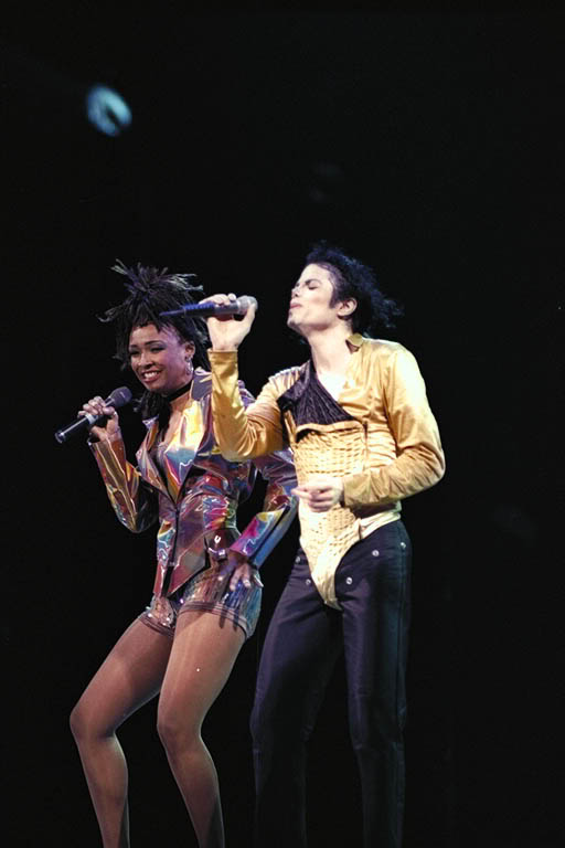 Dangerous World Tour Onstage- I Just Can't Stop Loving You - She's Out Of My Life 007-44