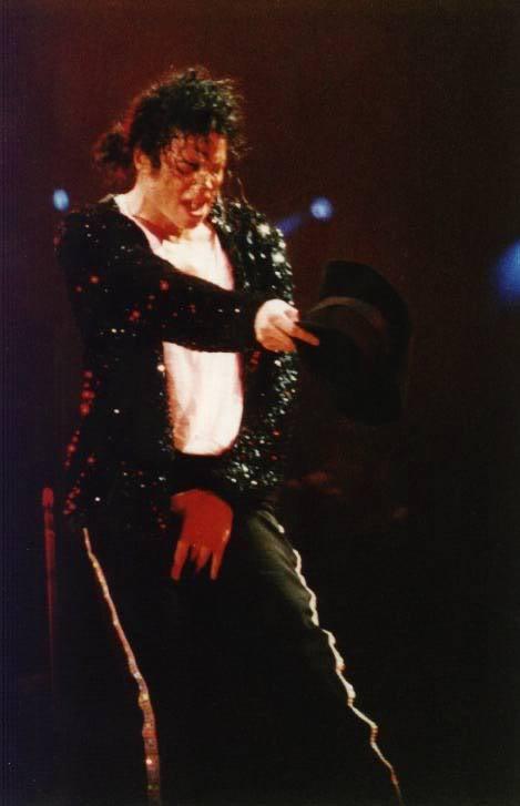 Dangerous World Tour Onstage- Billie Jean 008-40